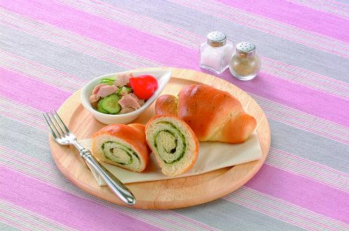 グリーンロールパン
